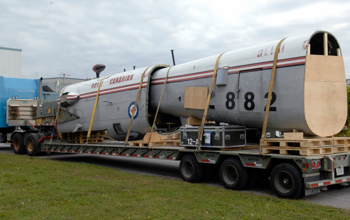 The rear fuselage of Lancaster KB882 arrives in Trenton, Ontario. (Photo by Josh Bambrough, NAFMC via RCAF)