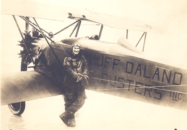 Huff-Daland duster with pilot harris in the 1920s