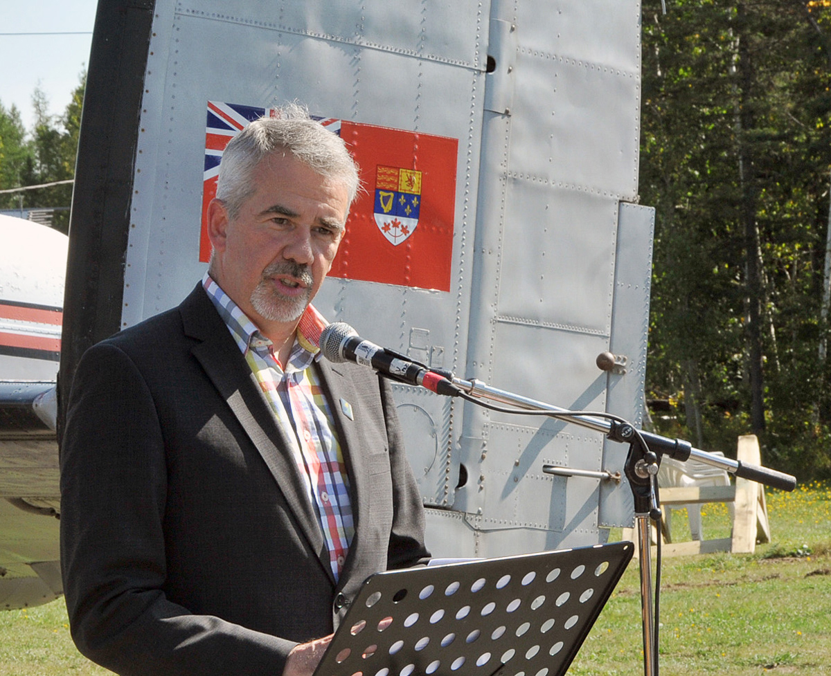 Cyrille Simard, mayor of the city of Edmundston, speaks to the audience during the transfer of KB882's ownership from the city to the National Air Force Museum of Canada. (Photo by Warrant Officer Fran Gaudet DND)
