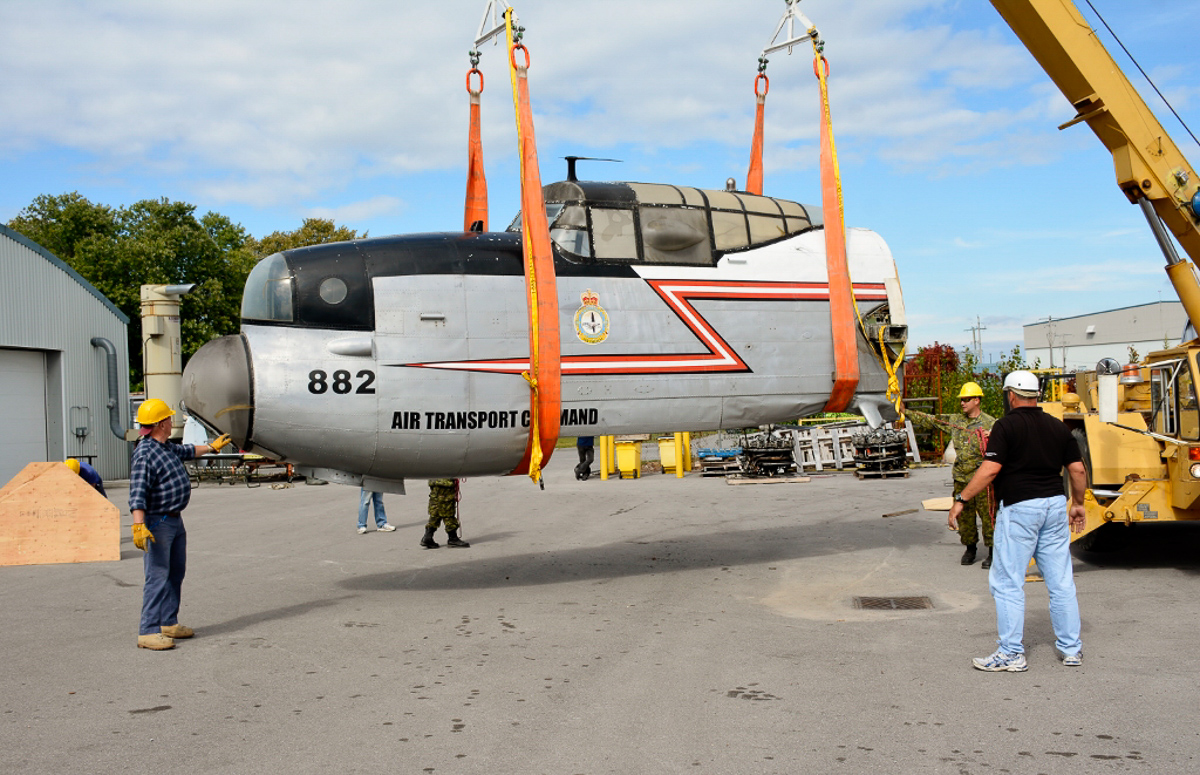 KB882's forward fuselage during the unloading process at Trenton. (photo by Josh Bambrough, NAFMC via RCAF)